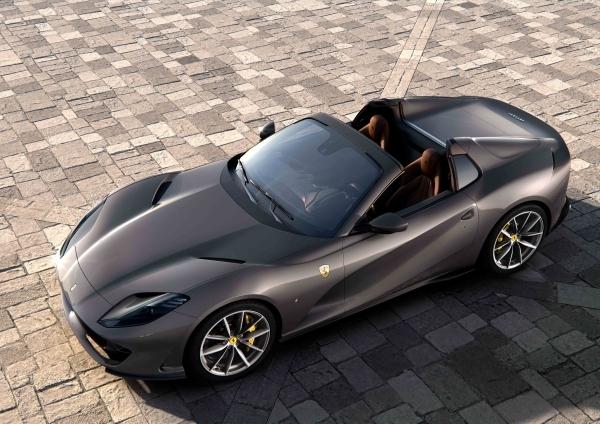 _Ferrari 812 GTS_02